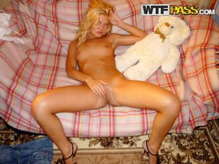 See my gf fully naked and horny